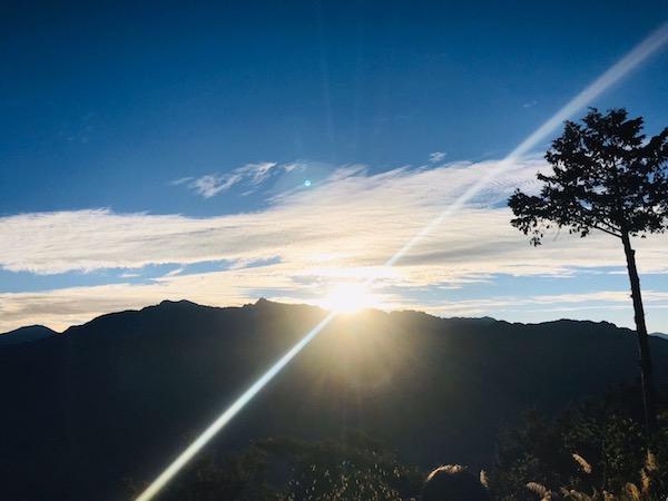 清晨的山上-Sherriel雪瑞